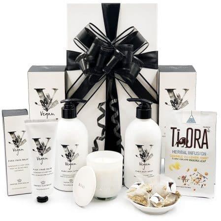 Vegan-Natural-Pamper-Gift-with-Organic-Tea
